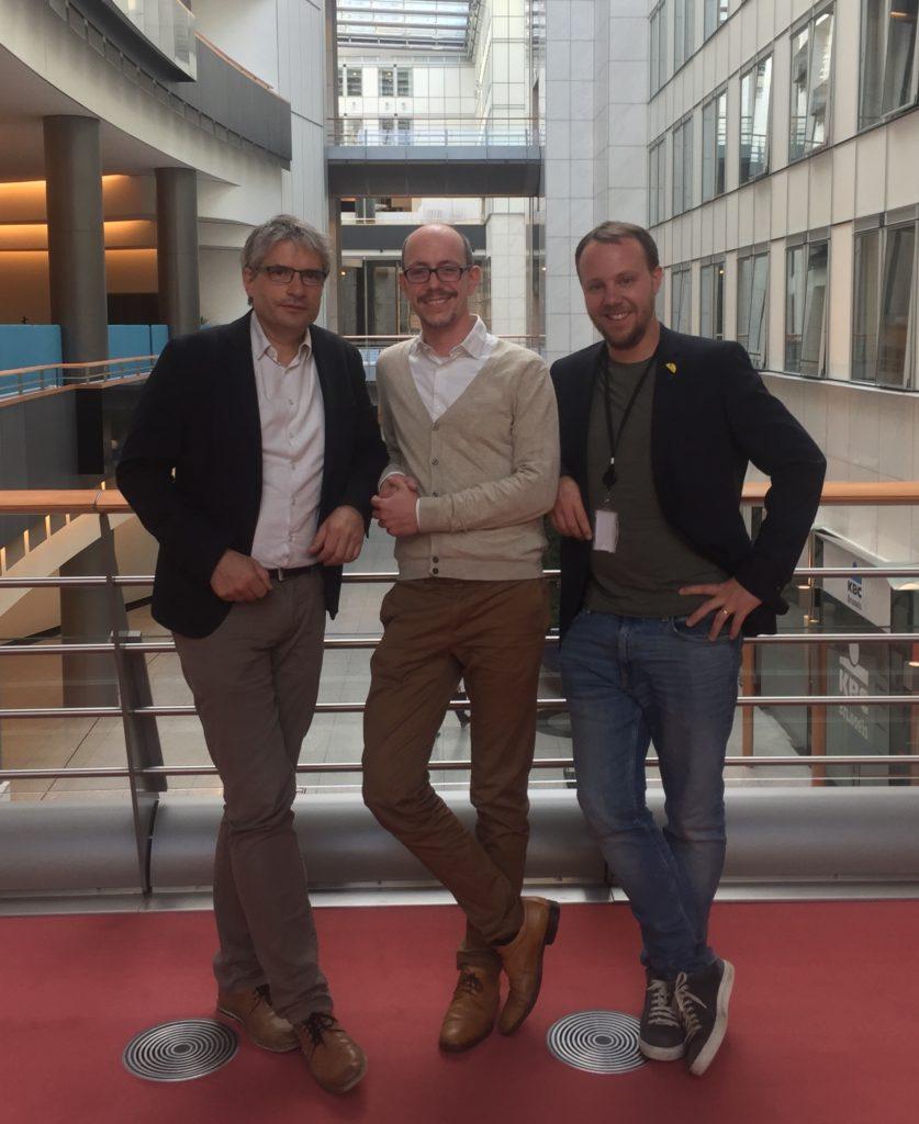 Sven Giegold, Christian Beck, Daniel Freund im Europaparlament