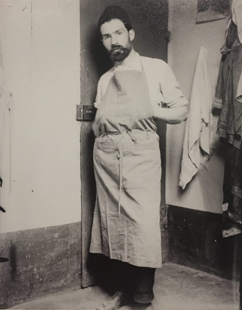 Brancusi as dish washer in Paris